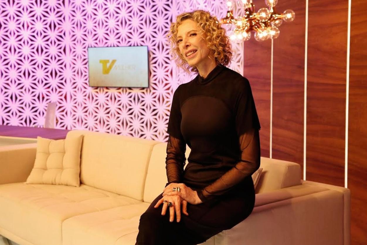 Marília Gabriela no estúdio do novo