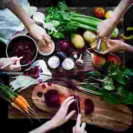 Nova análise encontra mais benefícios de uma dieta baseada em vegetais - iStock