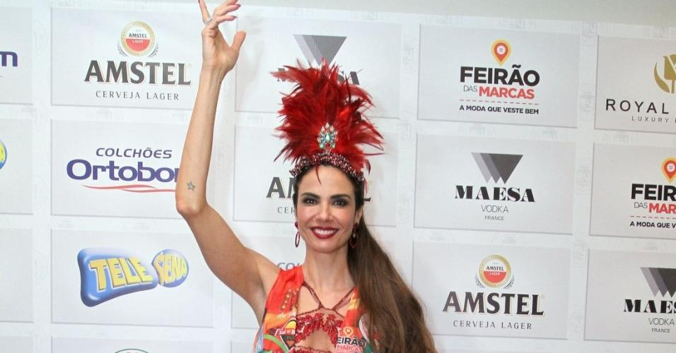 18.fev.2017 - A apresentadora Luciana Gimenez na feijoada da Grande Rio