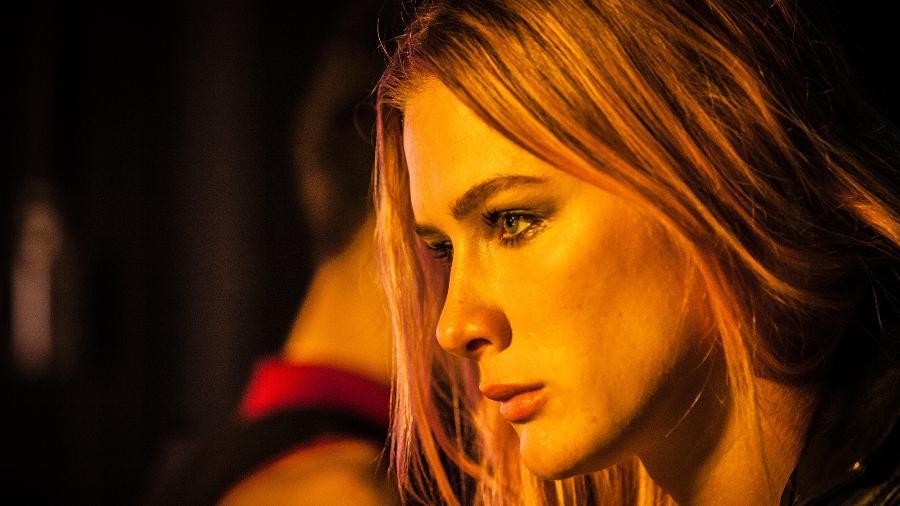 Fiorella Mattheis em cena da série