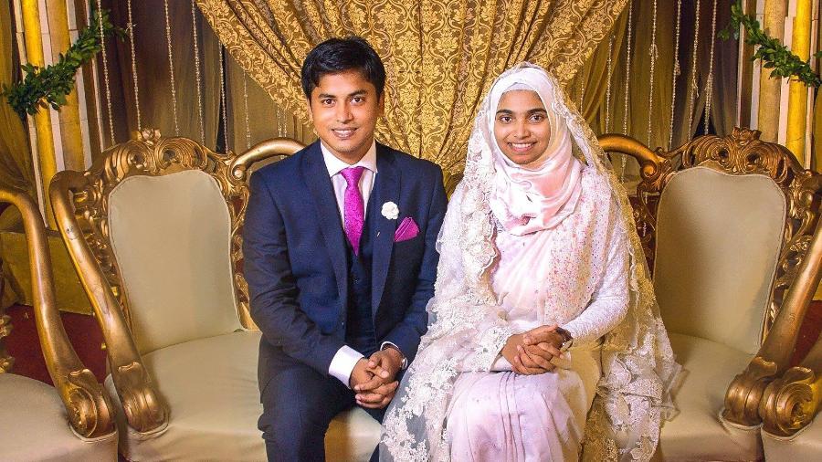 O que essa foto tem de diferente? Uma noiva sem um pingo de maquiagem - Reprodução/Facebook