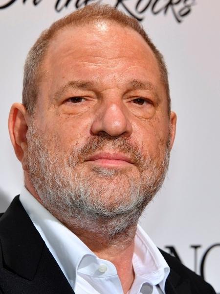 O produtor Harvey Weinstein posa durante o Festival de Cannes de 2017, antes das acusações de abuso sexual virem à tona - AFP/Getty Images