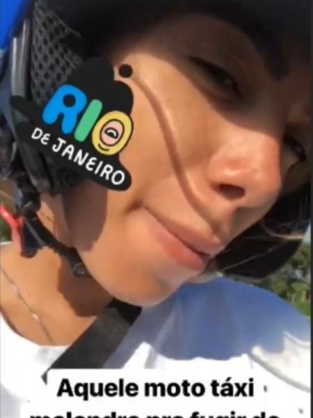 Anitta no mototáxi - Reprodução/Instagram/anitta