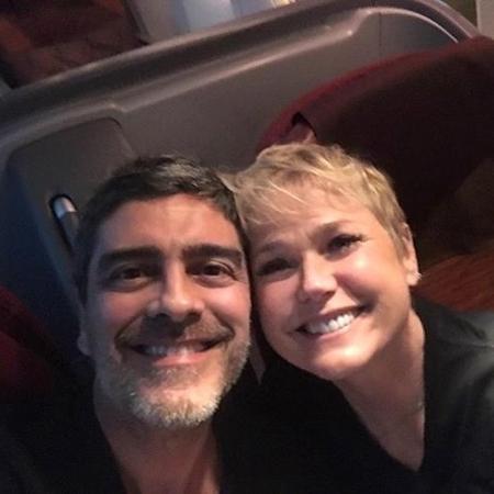 """Xuxa e Junno, felizes, estão juntos também no """"Dancing Brasil"""" - Reprodução/Instagram"""
