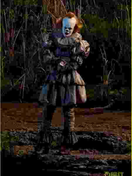 Bill Skarsgard aparece como Pennywise no set de It 2 - Reprodução/Just Jared
