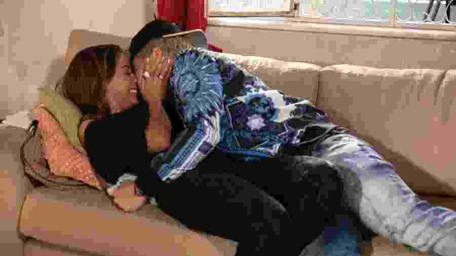 Sabrina se declara namorada de Ryan - Globo/Victor Pollak