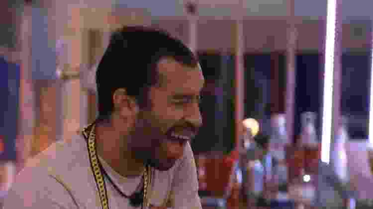BBB 21: Gilberto diz que quer tirar uma casquinha de Arthur e Fiuk - Reprodução/Globoplay - Reprodução/Globoplay