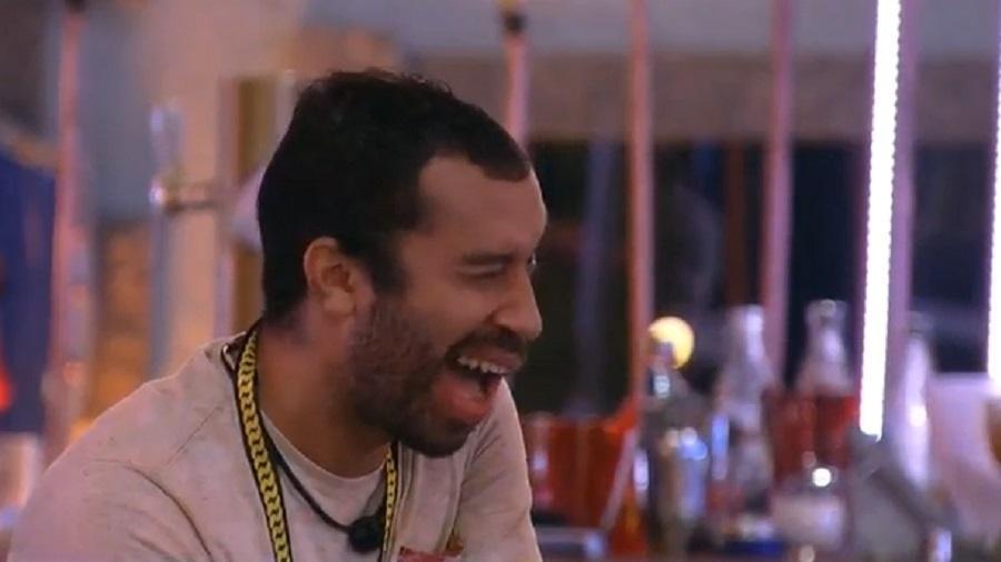 BBB 21: Gilberto diz que quer tirar uma casquinha de Arthur e Fiuk - Reprodução/Globoplay