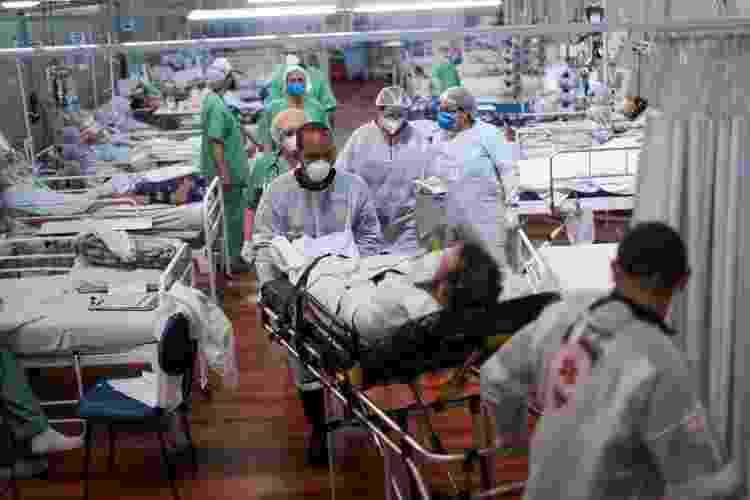 Com 416 novos casos de covid a cada 100 mil habitantes, Brasil está longe de figurar no limite máximo exigido pela União Europeia para permitir entrada de turistas imunizados - Reuteres - Reuteres