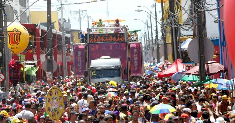 6.fev.2016 - Ruas tomadas no Carnaval do Recife para o desfile do Galo da Madrugada