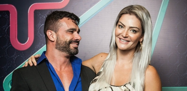 """Jorge e Laura, vencedores da primeira edição brasileira do """"Power Couple"""", na Record  - Edu Moraes/Record"""