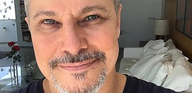 Edson Celulari posa sorridente após revelar ter se curado do câncer - Reprodução/Instagram/edsoncelularireal
