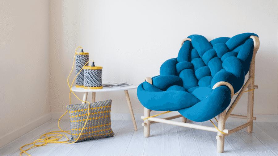 A poltrona Needle Chair, da marca Veega Design, é como um tricô gigante - Divulgação