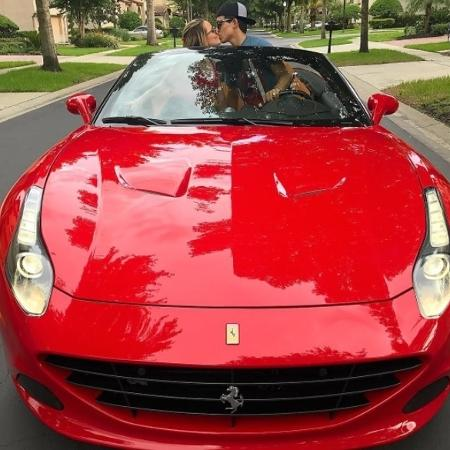 Larissa Manoela e o namorado, Thomaz Costa, em Orlando (Estados Unidos) - Reprodução/Instagram/thocostaoficial