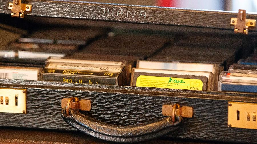 Uma caixa de fitas cassete revelam o que Diana gostava de ouvir - AFP PHOTO / Tolga Akmen