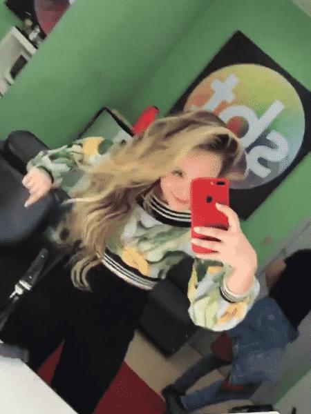 Larissa Manoela se empolga no camarim do SBT - Reprodução/Instagram - Reprodução/Instagram