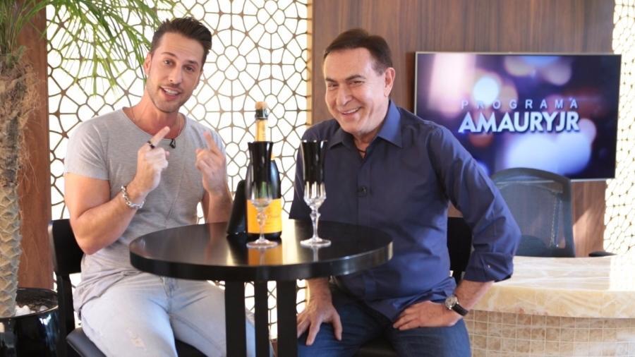 """Amaury Jr. em quadro de seu programa, quando admitiu ser um """"alcoólatra famoso, jamais anônimo"""" - Reprodução/Bora/YouTube"""