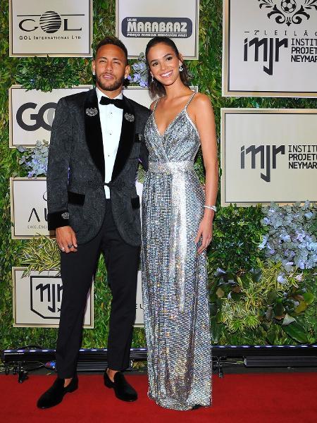 Bruna Marquezine e Neymar chegam juntos a evento - Imagem/Brazil News