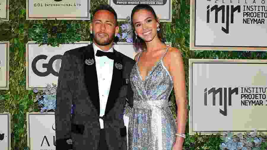 Neymar rebate desvalorização pós-Copa e pai endossa