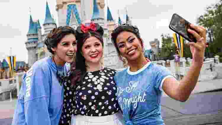 Funcionárias da Disney com makes inspiradas em Úrsula, Minnie Mouse e Cinderella - Divulgação - Divulgação