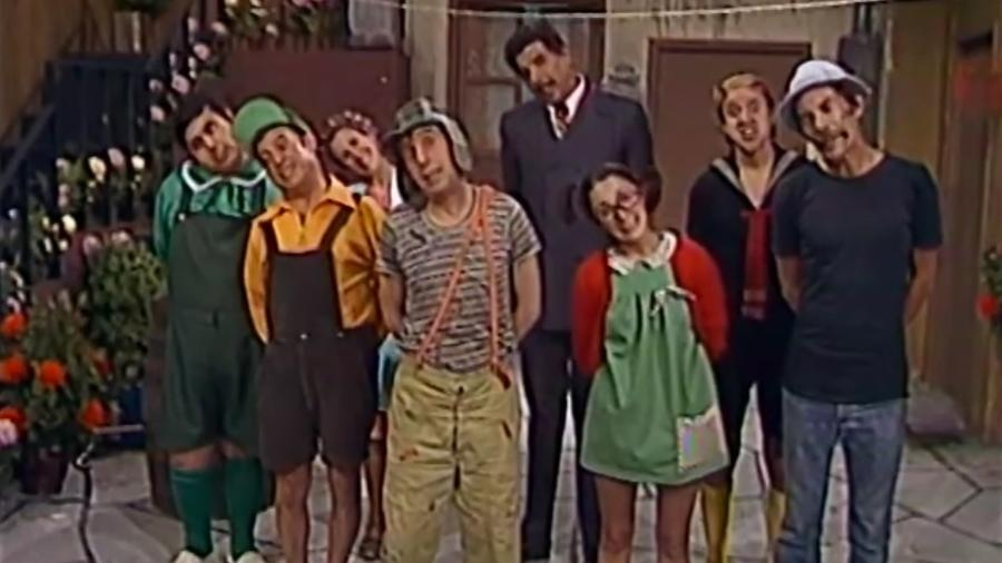 elenco-de-chaves-canta-a-vizinhanca-do-c