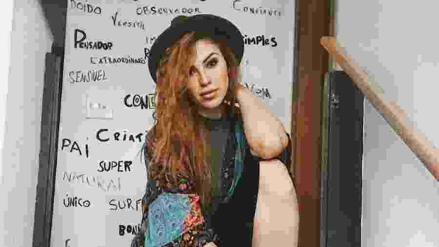 Giulia Britto tem 25 anos e é modelo e está separada de Gabriel Pensador há três meses - Reprodução/Instagram/@giuliabrittov