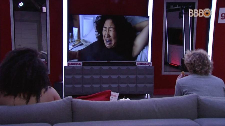 Rízia e Alan aproveitam o cinema do líder - Reprodução/GloboPlay
