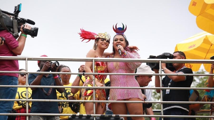 Preta Gil recebe Lexa no Bloco da Preta, no Ibirapuera, em São Paulo - Diego Padgurschi/UOL