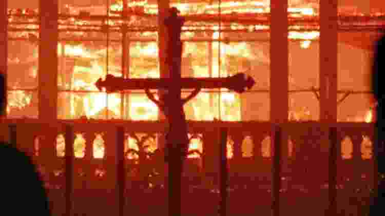 Capela do Santo Sudário, em Turim, pega fogo em 1997 - Claudio Papi/Reuters - Claudio Papi/Reuters