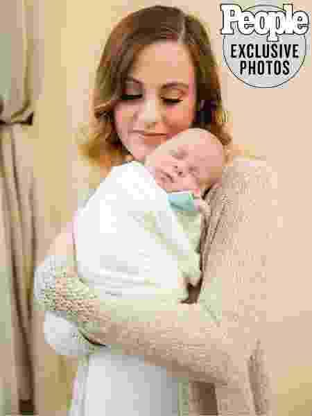 Jennifer Gobrecht e o filho Benjamin  - Reprodução/Rachel Gregory/People