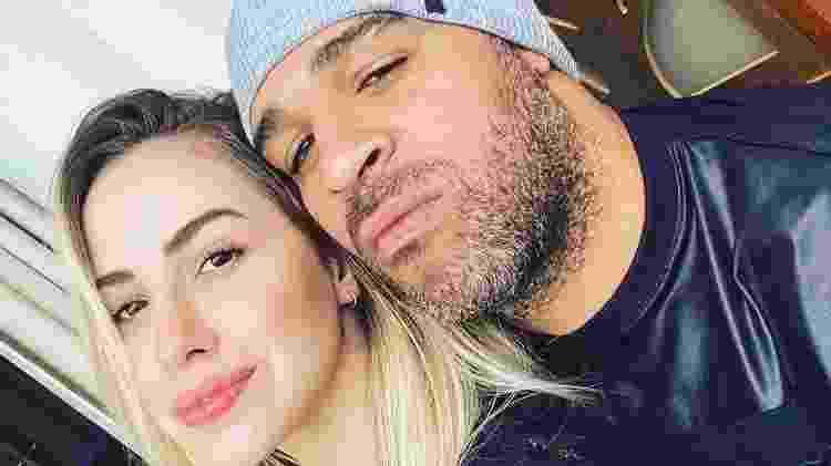 Adriano Imperador ao lado de ex-noiva Victoria Moreira - Reprodução/Instagram - Reprodução/Instagram