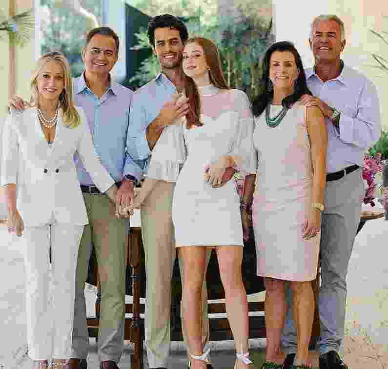 Pais de Marina Ruy Brabosa (diereita) e sogros dela (esquerda) na cerimônia do casamento no civil - Reprodução/Instagram