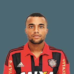 O lateral Samuel Xavier pode ser mais um reforço do Palmeiras