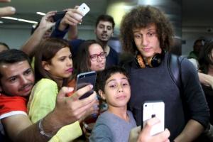 """David Luiz vale quase """"duas Madonnas"""" nas redes sociais"""