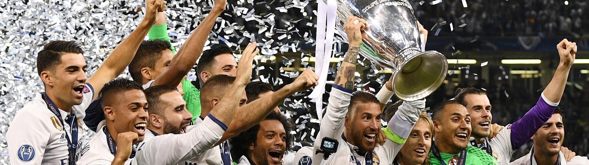Sergio Ramos ergue a taça da Liga dos Campeões 2016/2017
