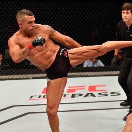 Vitor Belfort venceu Nate Marquardt no UFC 212 - Jeff Bottari/Zuffa LLC/Getty Images
