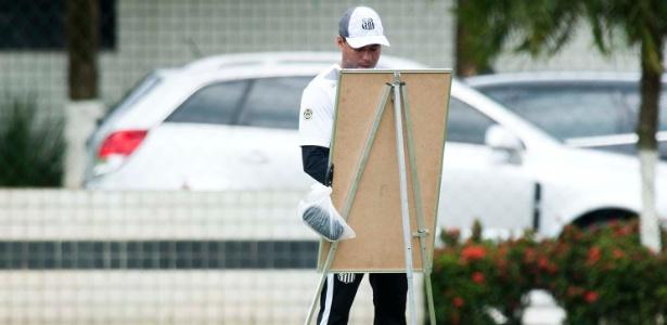 Técnico Jair Ventura ainda precisa definir duas posições no meio-campo santista
