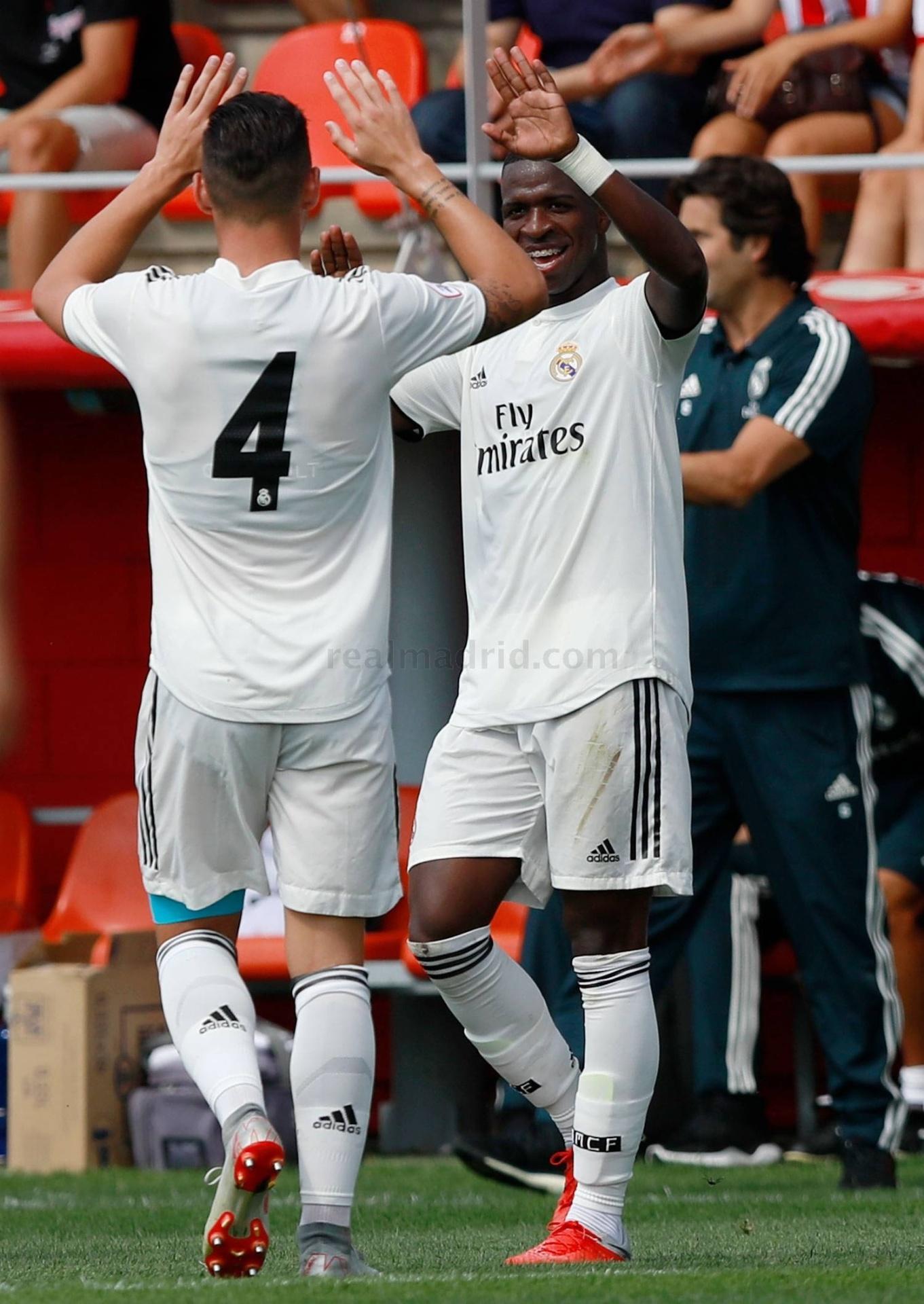 Vinicius Jr comemora gol marcado pelo time B do Real Madrid