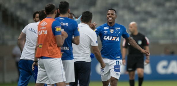 David festeja gol contra o Corinthians; jogador tenta justificar se preço no Cruzeiro - Pedro Vale/AGIF
