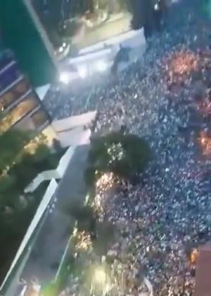 Imagem aérea mostra Rua Palestra Itália completamente tomada após título do Palmeiras - Reprodução/Twitter