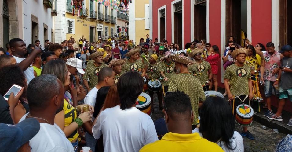 Olodum anima a torcida brasileira no Pelourinho, durante o jogo contra o Peru