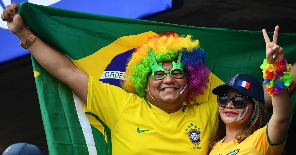 Torcedores aguardam o jogo entre Brasil e França, pela Copa do Mundo feminina