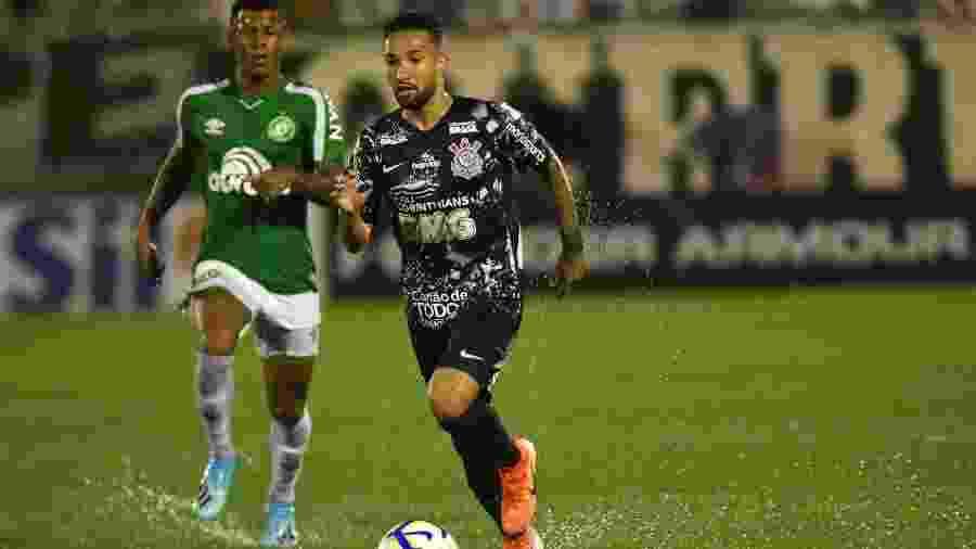 Clayson, do Corinthians, durante partida contra a Chapecoense pelo Campeonato Brasileiro - Renato Padilha/AGIF