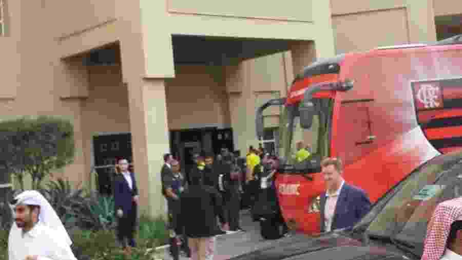 Delegação do Flamengo chega em hotel em Doha - Leo Burlá/UOL