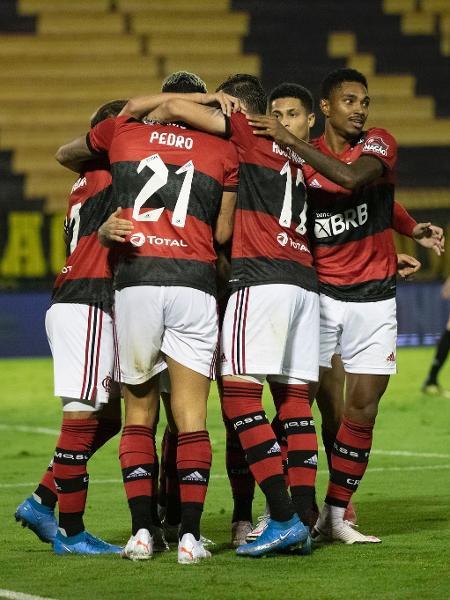 Jogadores do Flamengo celebram gol contra o Volta Redonda, no primeiro jogo da semifinal do Carioca - Alexandre Vidal / Flamengo