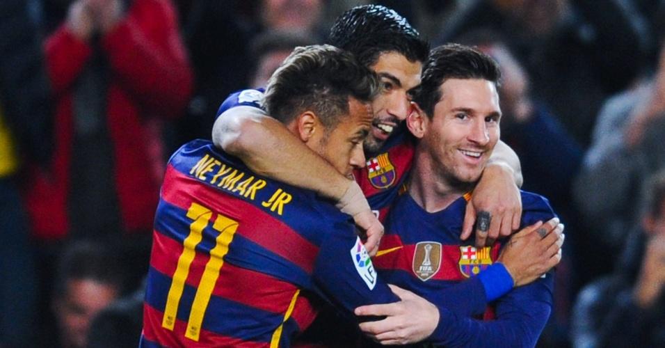 Neymar, Suárez e Messi comemoram após gol do Barcelona contra o Valencia pela Copa do Rei