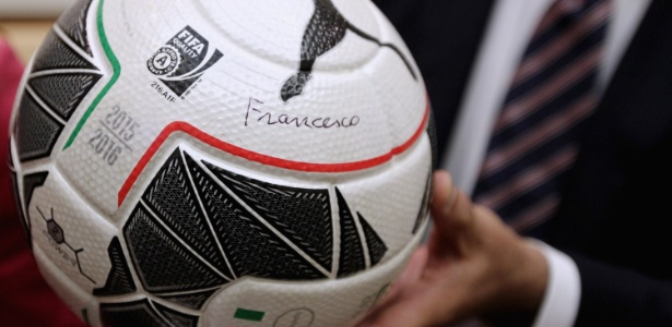 Papa assinou bola da final da Copa da Itália - Paolo Bruno/Getty Images