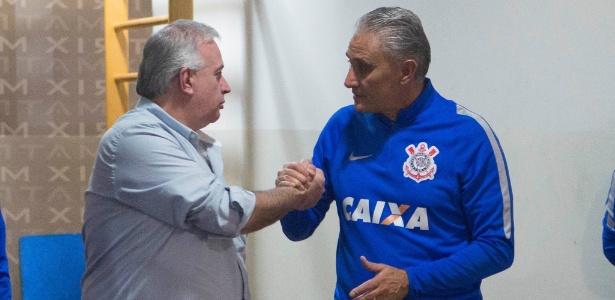 Tite se despede antes de deixar o Corinthians para assumir a seleção brasileira