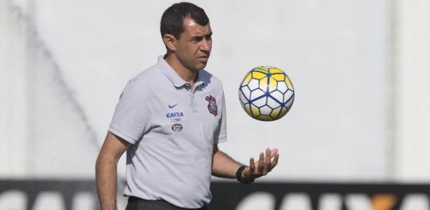 Fabio Carille deve receber reforço de Mantuan no elenco profissional do Corinthians