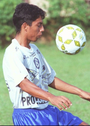 Ele fez um gol contra, salvou o Corinthians e virou andarilho do futebol
